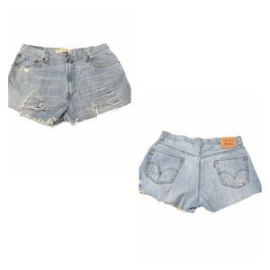LEVIS 559 High Rise cut off Jean shorts DISTRESSED